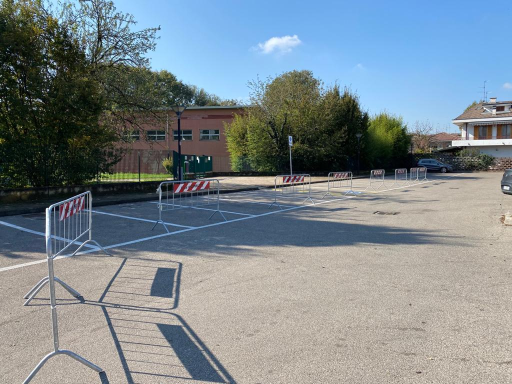 Modifica parcheggio Scuola Secondaria